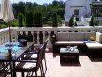 Cenar en esta terraza con vista y tranquilidad total es lo mejor para terminar el día
