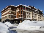 This Mountain Ski Studio is located in  a SPA Apart-hotel near  the Lift #6 PAMPOROVO