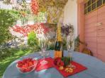 giardino magnolia e calicanto luogo ideale per pranzare, cenare o prendere un aperitivo