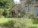 Joli studio indépendant, 2/ 4 personnes situé entre  Mt St Michel, Cancale, St Malo, Dinan, Combourg