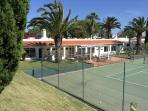 Nearby tennis club & fitness centre