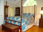 Morning Room with queen bed and adjoining full bathroom (walk-in shower)