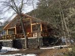 Cabaña el Alerce, full equipada, calefacción central y chimenea a leña.