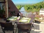 Terrasse vue Dordogne Terrazza con vista sul fiume