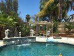 Cozy House, Huge Backyard, Heart of Temecula!