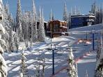 Excellent ski in-out location directly on Silver Queen and 5 minutes walk from Silver Star village