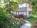 Need more room? Book the Bali House too! Delightful Cedar house with sleeping loft.