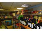Convenience store / Tienda de comestibles - ComprandoViajes