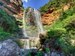 Walking tracks to majestic Wentworth Falls are on the doorstep. Copyright: Phil Young Photographs