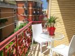 Grande balcone per rilassarsi al sole
