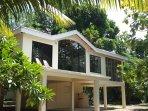 Beautiful villa in a spectular Belizian rainforest jungle overlooking the Sittee River