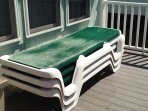 3 deck lounge chairs,