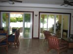 Dining living room wiew to beach