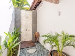 Outdoor shower of the master bathroom
