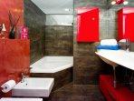 SUite's bathroom