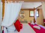 Four Poster Master bedroom downstairs with en-suite