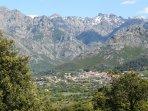 Plaine de Calenzana et le Monte Cinto