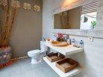 Charming bathroom decoration