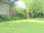 Le jardin clos de murs