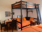 Bertramka - budget and cozy studio close to Smichov