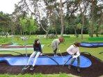 Mini-golf Petits Voyages Extraordinaires - ludique et artistique