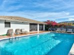 Private Pool with Southern Exposure! Pool Heat Optional Add On. Private Grill and Pool Loungers to Enjoy Sunny Naples...