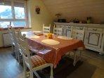 séjour table, chaises, buffet