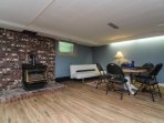 games room N/G fireplace seatng area, large TV, pull out 3/4 bed