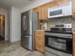 Stainless appliances - extra large fridge, double oven, bosch quiet and fast dishwasher