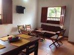 Ambiente decorado en fibra de fique  y mucho colorido en ambiente familiar