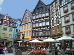 Der historische  Cochemer Marktplatz ist 80 m von der Wohnung entfernt
