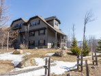 Mont-Tremblant condo with Mountain View and Spa