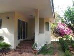maison 2 entrée avec petite terrasse