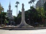 Largo do Machado - praça onde tem o metrô. Ao lado do prédio.