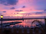 Delizioso appartamento con affaccio sul mare! vista del tramonto dalle nostre finestre