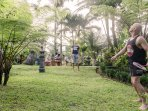 Hillside Eden Bali - Play some badminton in the Tropical Garden