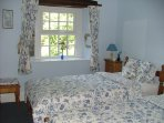 Gateham cottage - Spacious twin room