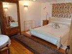 tulip bedroom (first floor double). Bed =1m60 x 1m90.