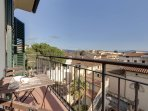 Capponcina apartment in San Marco with WiFi, air conditioning, balcony & lift.