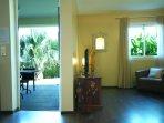 L'Oasis de Terre Rouge - Appartement Acacias - Séjour et Terrasse