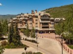 Located conveniently near the transportation circle and just steps from Beaver Creek Village.
