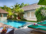 Shinta Dewi - Relax poolside