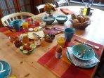Frühstück im Gäste-Esszimmer
