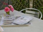 Terrasse privative avec salon de jardin