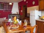 Villetta di 5 vani con doppio servizio, cucina soggiorno e salotto