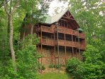 Luxurious Mountain Cabin in the Smokies – 4 Bedroom 4 Full Baths all with Mountain View