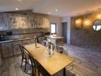 Cocina-comedor casa Abril
