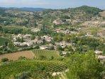 Castelreng and surrounding vineyards