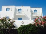 Directly facing the sea. Private balcony a few steps from Krios beach!