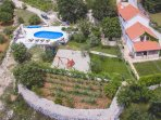 House 330 m2 + pool + property 25000 m2